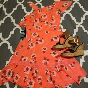 Brand New Coral EXPRESS Dress. Size 6